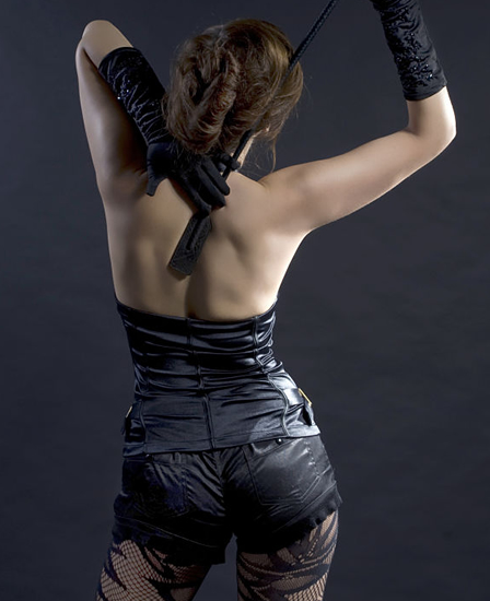 Anna fatale backside posing in black